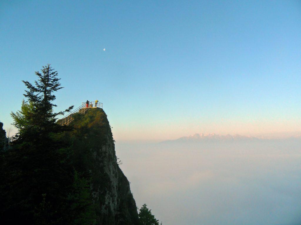 Pieniny Dunajec Zamagurie turistické trasy Tri koruny a pohľad na Červený Kláštor